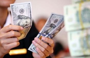 Giới đầu tư găm giữ tiền mặt, giá USD tăng mạnh