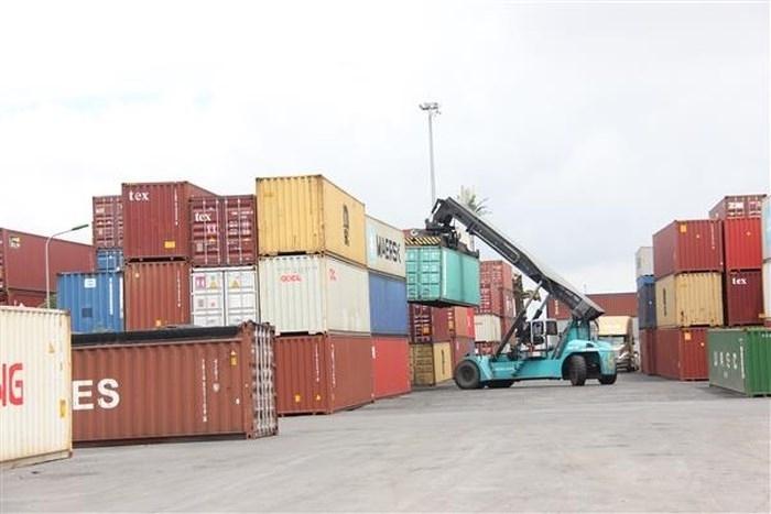Lưu ý về đối với hàng hóa quá cảnh vận chuyển bằng phương tiện thủy nội địa