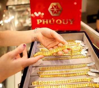 Giá vàng thế giới liên tục lập đỉnh, trong nước cũng tăng mạnh