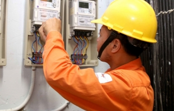 Bộ Công Thương kiểm tra chi phí giá điện của EVN