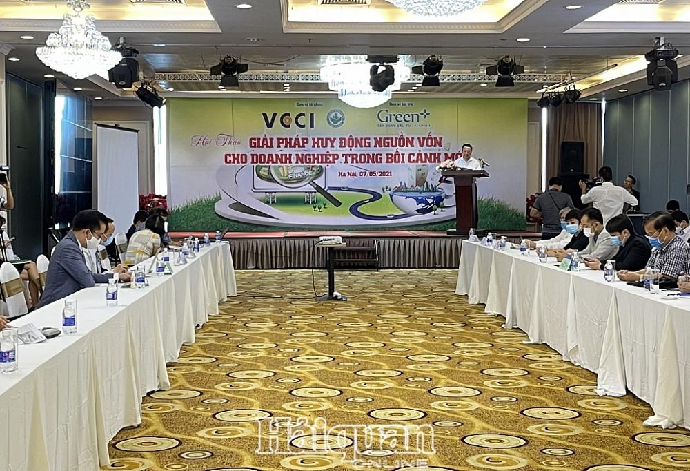 Ông Nguyễn Quang Vinh - Tổng thư ký VCCI phát biểu tại hội thảo. Ảnh: H.Dịu