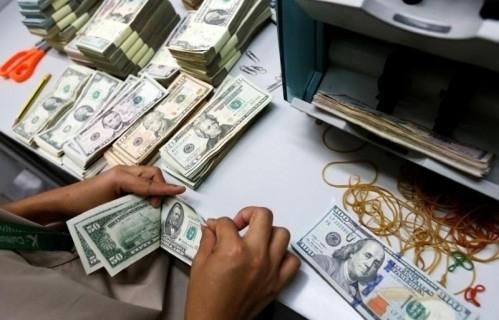 Giá vàng tiếp tục tăng, USD trong nước ổn định