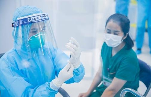 Tiếp tục miễn phí chuyển tiền ủng hộ Quỹ vắc xin phòng, chống Covid-19