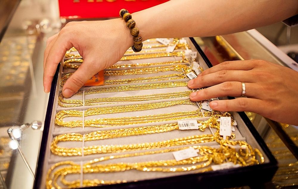 Giá vàng trong nước và thế giới đồng loạt tăng.