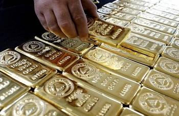 """Vàng, USD """"hồi hộp"""" hướng về cuộc họp của FED"""