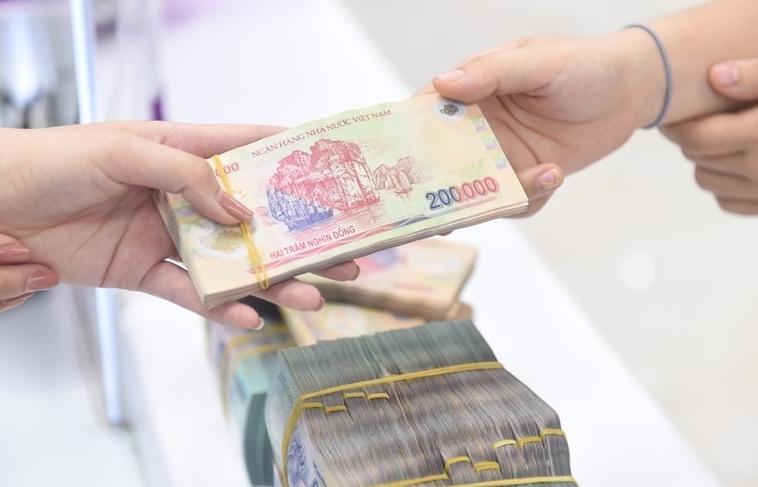 Một số ngân hàng vượt trần tín dụng hàng nghìn tỷ đồng