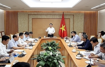 Phó Thủ tướng: Cần hoàn thiện pháp luật quản lý nợ tự vay tự trả của doanh nghiệp