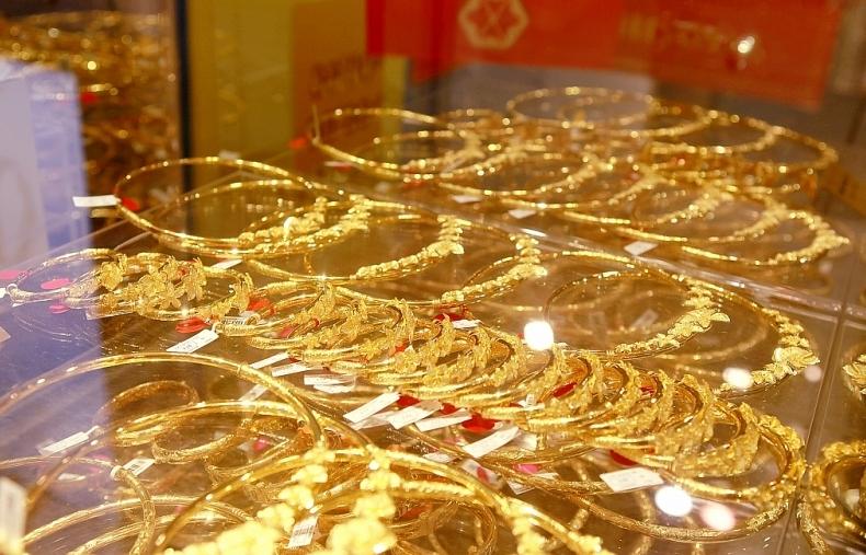 Giá vàng lại tăng cao, vượt 44 triệu đồng/lượng