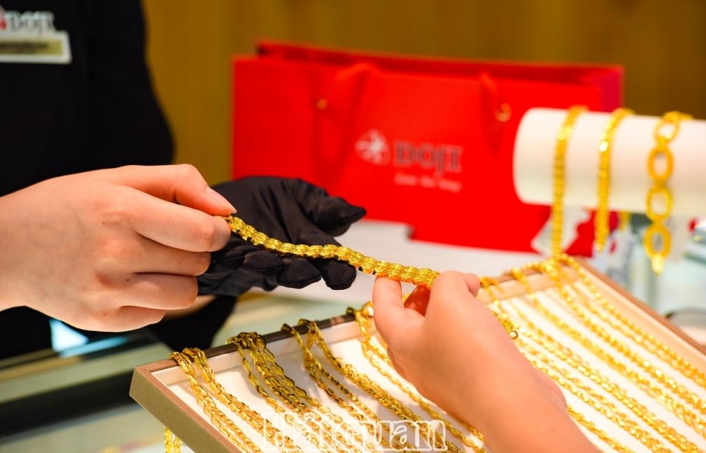 Giao dịch kém hấp dẫn khiến giá vàng đứng yên