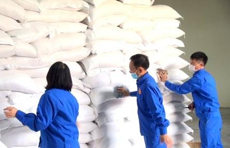 Xuất cấp gạo và hàng dự trữ quốc gia cho 3 tỉnh phòng, chống dịch