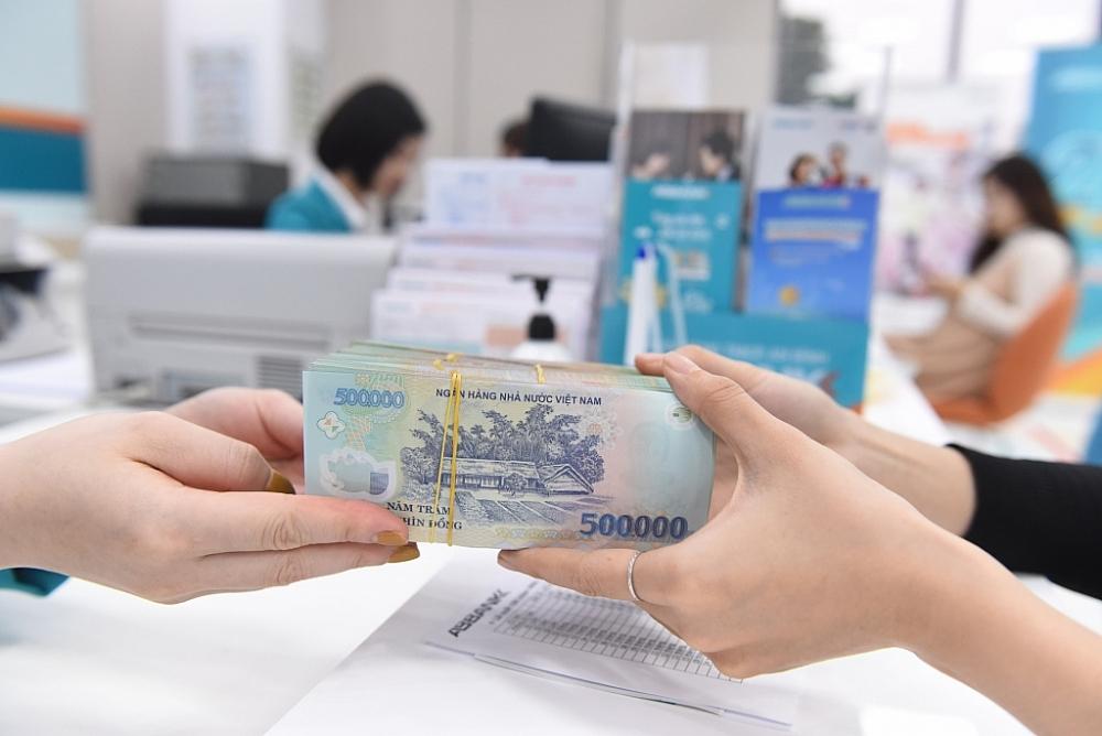 NHNN cho phép các ngân hàng kéo dài thời gian cơ cấu nợ thêm 6 tháng so với quy định cũ. Ảnh: Internet