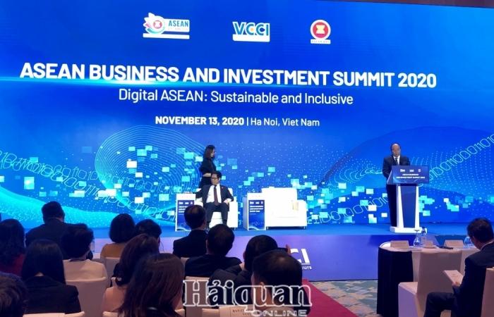 Thủ tướng Nguyễn Xuân Phúc: Hãy đầu tư vào ASEAN trong đó có Việt Nam