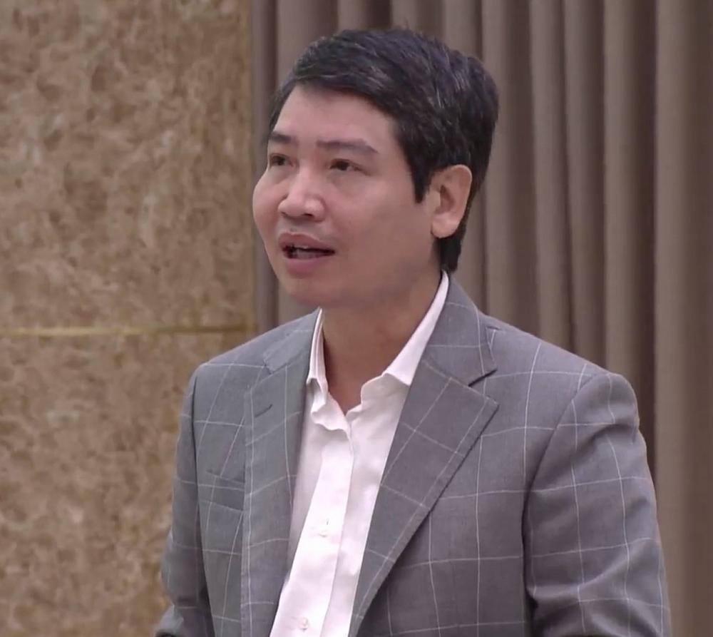 Thứ trưởng Bộ Tài chính Tạ Anh Tuấn trả lời tại họp báo. Ảnh: H.Dịu