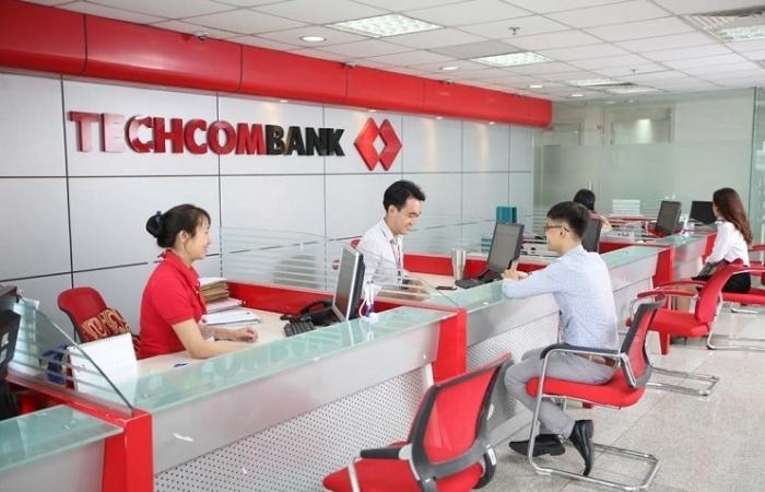 Lãi suất tiết kiệm giảm, tiền gửi ngân hàng vẫn tăng