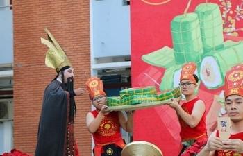 Giáo dục văn hóa truyền thống qua hội xuân tại trường học