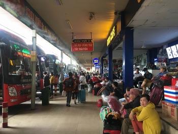 TPHCM đảm bảo đủ xe cho người dân về quê đón Tết