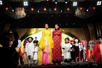 Lễ hội Áo dài TPHCM thu hút hơn 100.000 lượt người