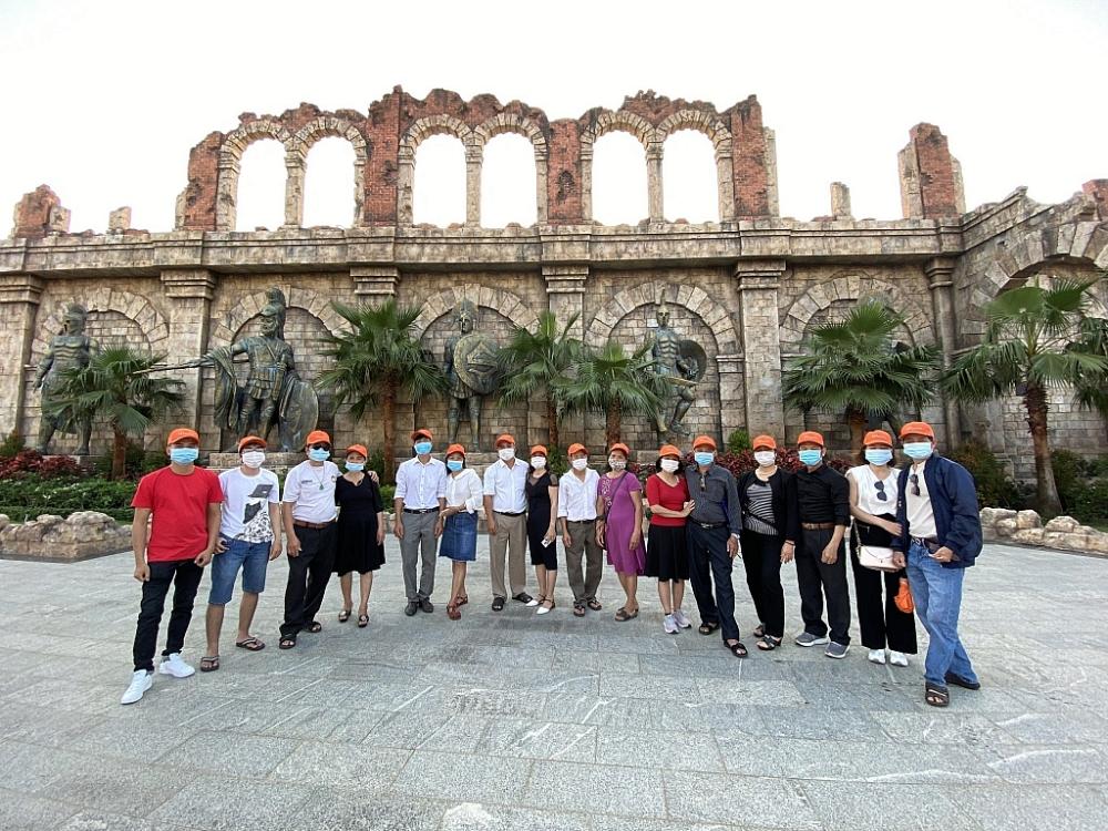 Đoàn khách đầu tiên tham quan Phú Quốc sau