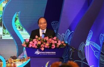 """Thủ tướng: """"Con người, cơ sở hạ tầng, chiến lược"""" là yếu tố  đưa du lịch thành ngành kinh tế mũi nhọn"""