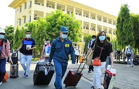 TPHCM thêm 930 công dân hoàn thành cách ly được về nhà