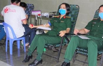 Bệnh viện dã chiến Cấp 2 Số 3 tham gia hiến máu tình nguyện giữa mùa dịch