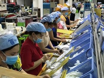 Doanh nghiệp cẩn trọng với làn sóng cắt giảm lao động sau dịch