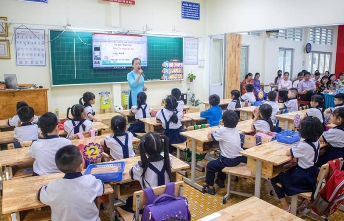 TPHCM phê duyệt danh sách sách giáo khoa lớp 2 và lớp 6