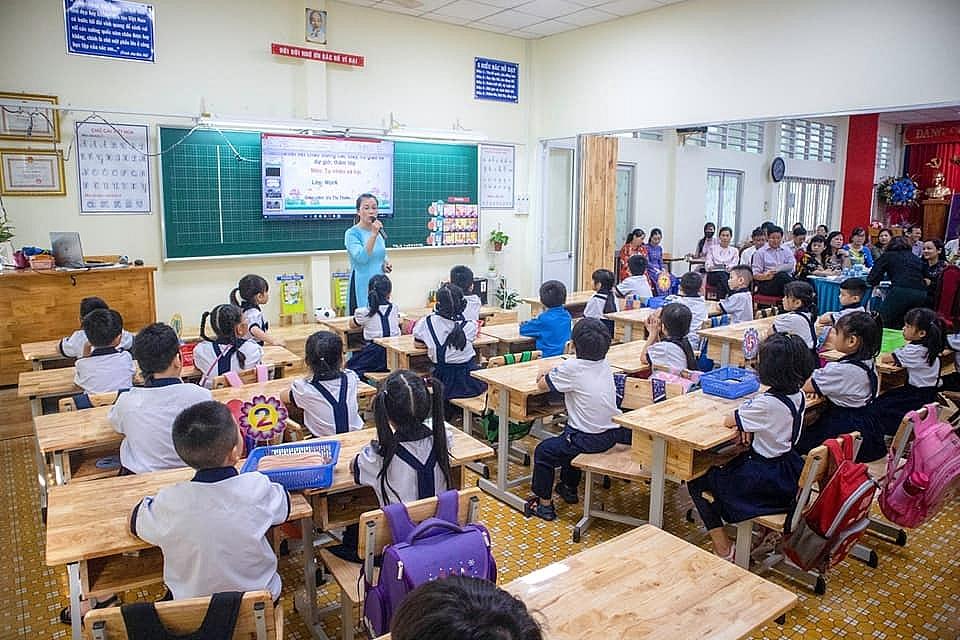 Một tiết học của học học sinh lớp 1 Trường Tiểu học Trưng Trắc, quận 1, TPHCM. Ảnh Lê Huyền