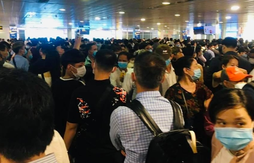"""Rốt ráo """"giải cứu"""" sân bay Tân Sơn Nhất"""