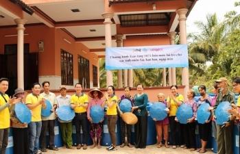 Chương trình trao tặng 1.875 bồn chứa nước đã đến với bà con miền Tây