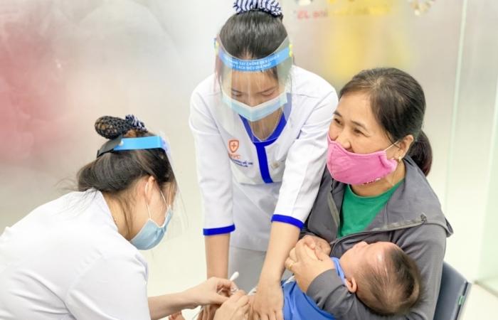 Khai trương Trung tâm tiêm chủng VNVC Đồng Hới