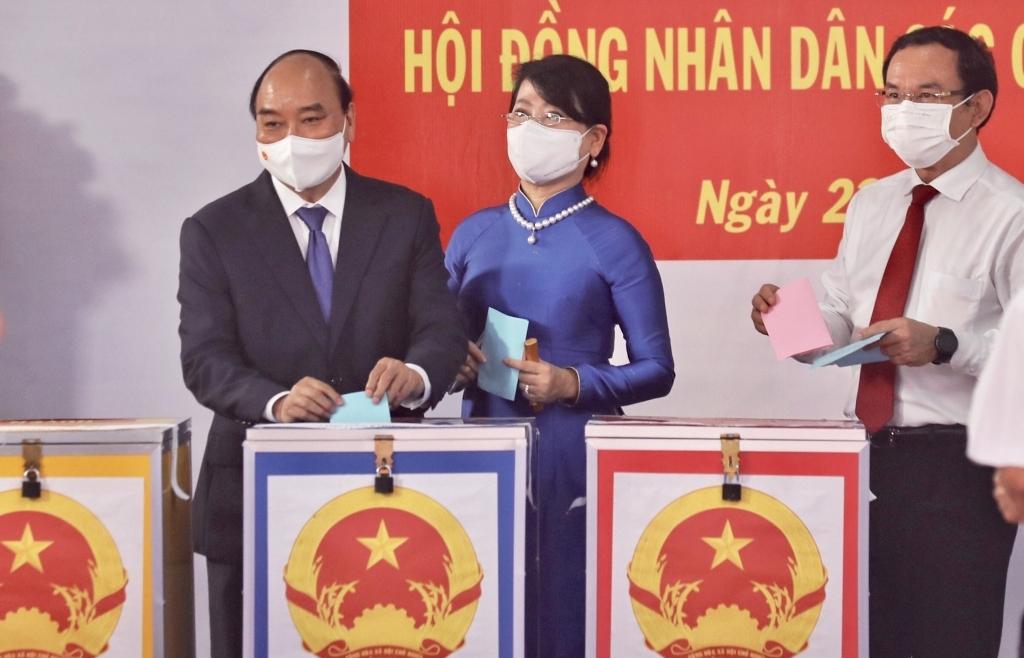 Cử tri TPHCM hân hoan đi bầu cử đại biểu Quốc hội khóa XV và Hội đồng nhân dân các cấp