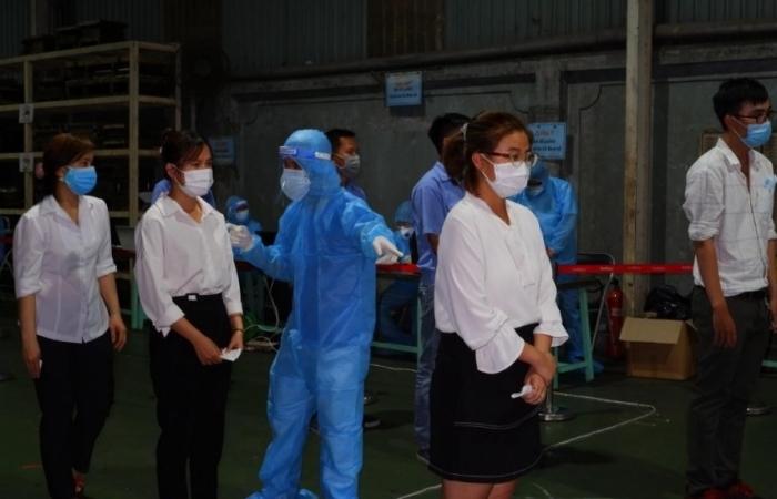 TPHCM nguy cơ dịch lan vào khu công nghiệp
