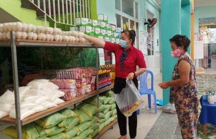 TPHCM đề xuất chi hơn 1.000 tỷ đồng hỗ trợ người dân bị tác động bởi dịch Covid-19
