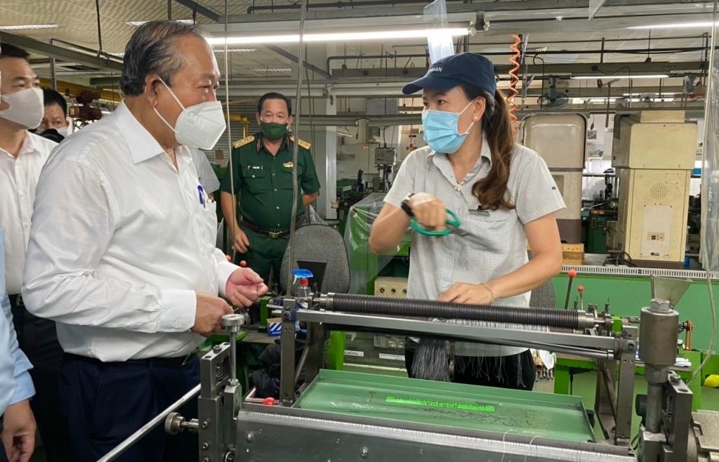 TPHCM chuẩn bị phương án vừa cách ly vừa sản xuất