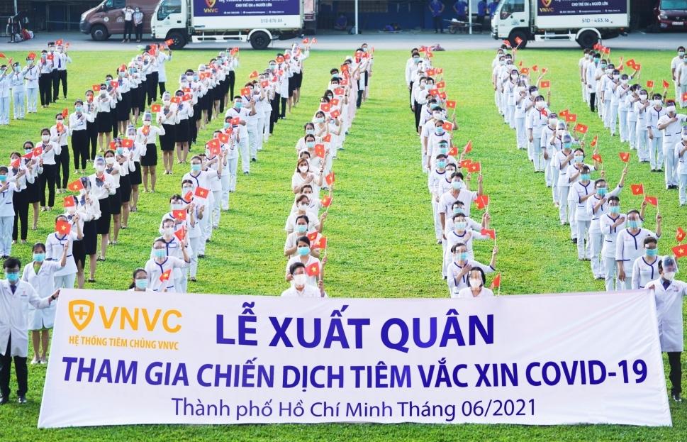 350 bác sĩ, điều dưỡng, nhân viên VNVC tham gia tiêm chủng