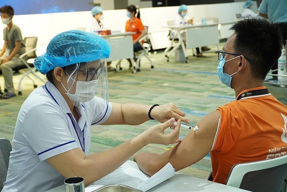 Tiêm vắc xin, một trong những biện pháp phòng chống, dịch hiệu quả