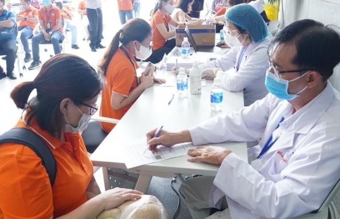 TPHCM dành 51% lượng vắc xin ngừa Covid-19 để tiêm cho công nhân, người lao động