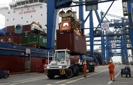 HĐND TPHCM thông qua nghị quyết lùi thời gian thu phí hạ tầng cảng biển đến ngày 1/10/2021