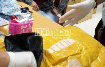 Bắt giữ 7 kg ma túy đá trong hành lý khách nhập cảnh từ Campuchia về Việt Nam