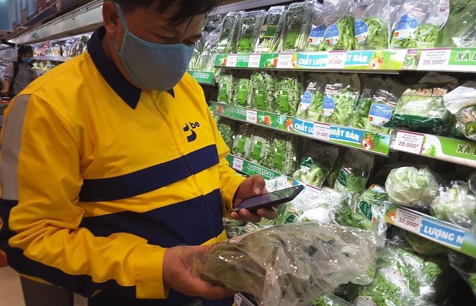 TPHCM gỡ khó cho người dân sau lệnh tạm dừng đối với cả bán thức ăn mang về
