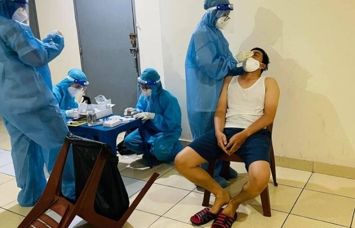 Điều động, chi viện nhân lực y tế cho các địa phương đang có nhiều ca lây nhiễm, bệnh nặng