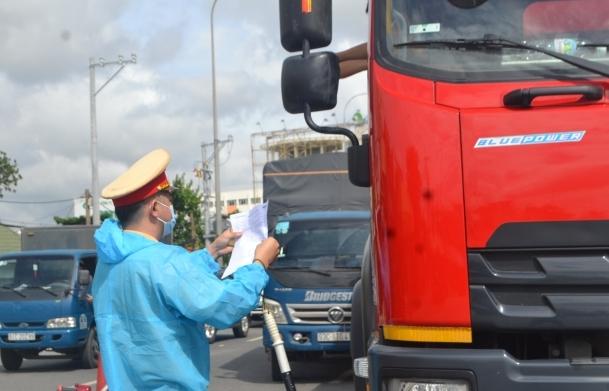 TPHCM: Ưu tiên xét nghiệm SARS-CoV-2 cho người điều khiển phương tiện vận tải hàng hoá