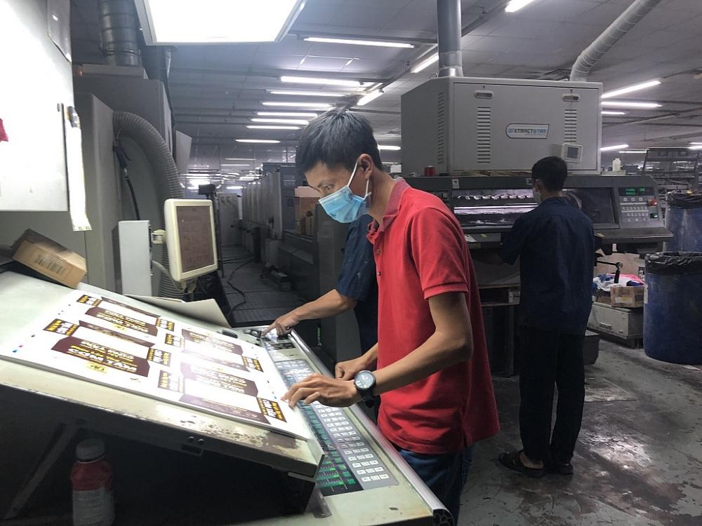 Doanh nghiệp và người lao động TPHCM đang gặp nhiều khó khăn do dịch bệnh. Ảnh DN cung cấp