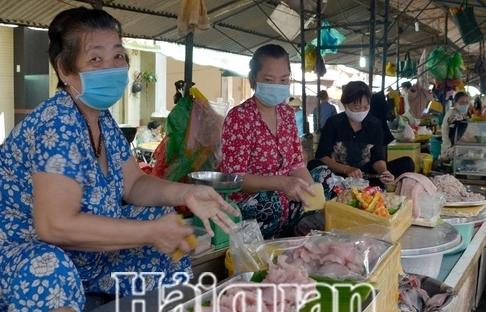 tphcm xu phat 841 nguoi khong deo khau trang noi cong cong