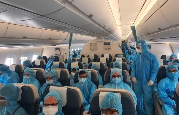 300 du khách mắc kẹt ở Đà Nẵng đã về tới TPHCM