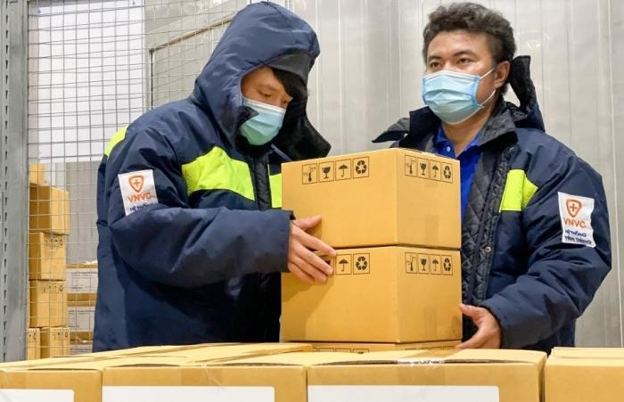 Hơn 1,1 triệu liều vắc xin AstraZeneca được bàn giao cho Viện Pasteur TPHCM