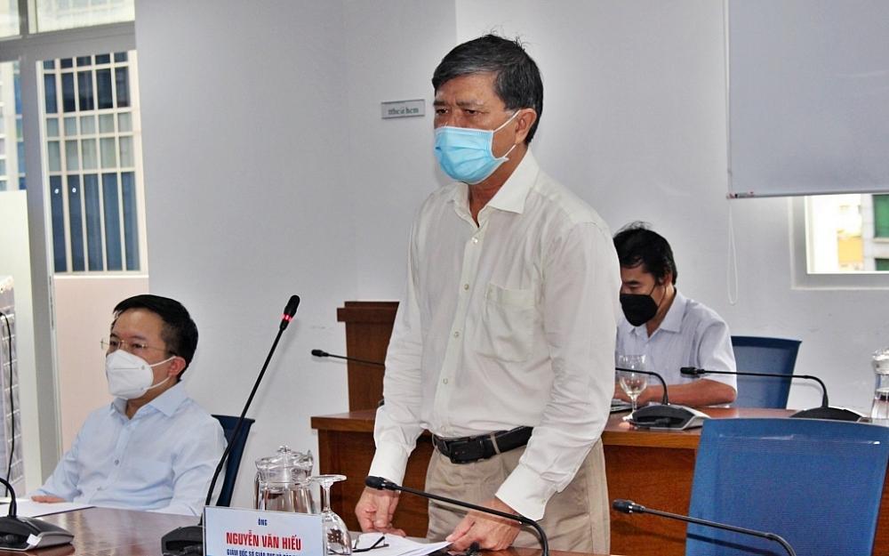 Ông Nguyễn Văn Hiếu, Giám đốc Sở GD-ĐT TPHCM thông tin tại buổi họp báo chiều ngày 4/9. Ảnh Thành Nhân