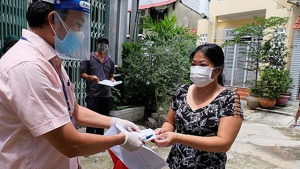 Người dân quận Bình Thạnh, TPHCM nhận hỗ trợ đợt 2