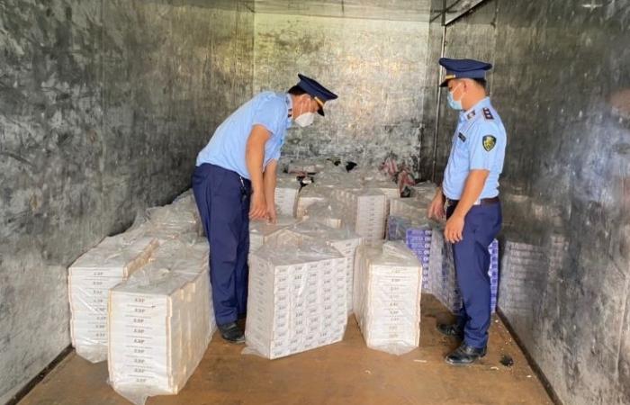 Long An: Bắt vụ vận chuyển gần 16.000 bao thuốc lá nhập lậu